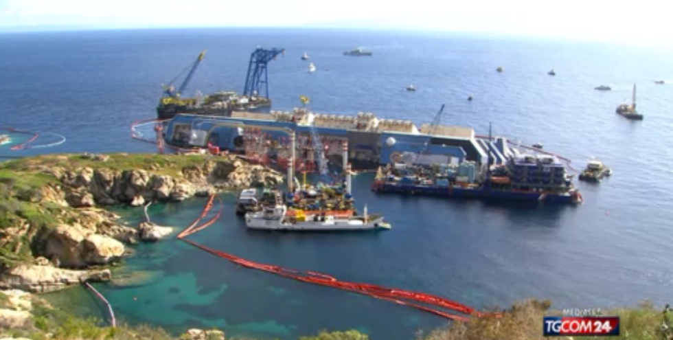 Recupero della Concordia: la diretta video