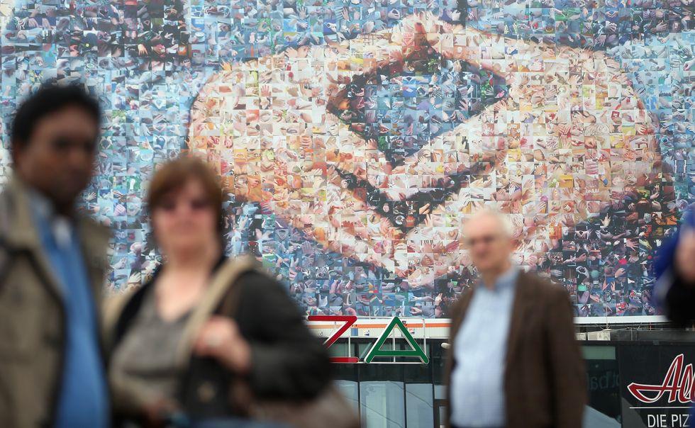 Merkel punta sulle sue mani. Funzionerà?