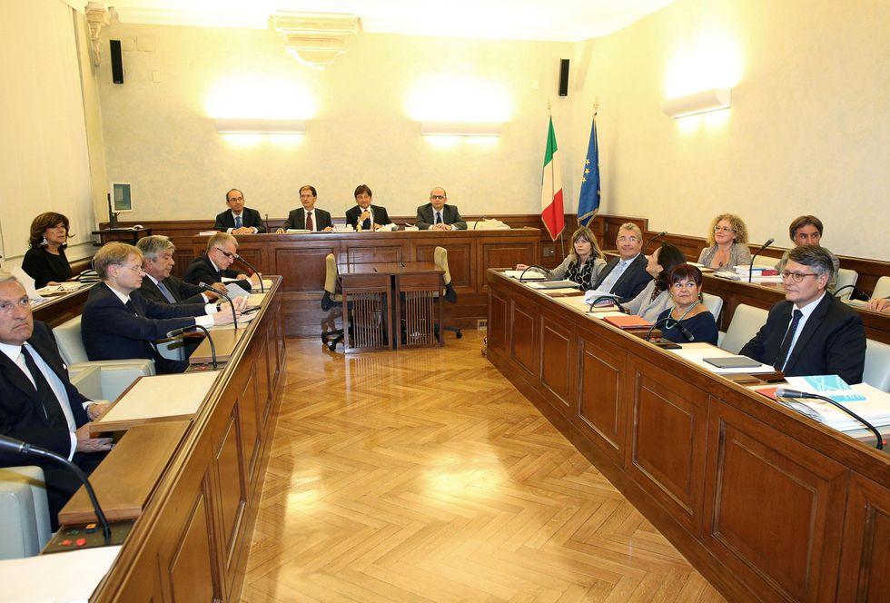 Il primo voto della Giunta del senato contro Berlusconi