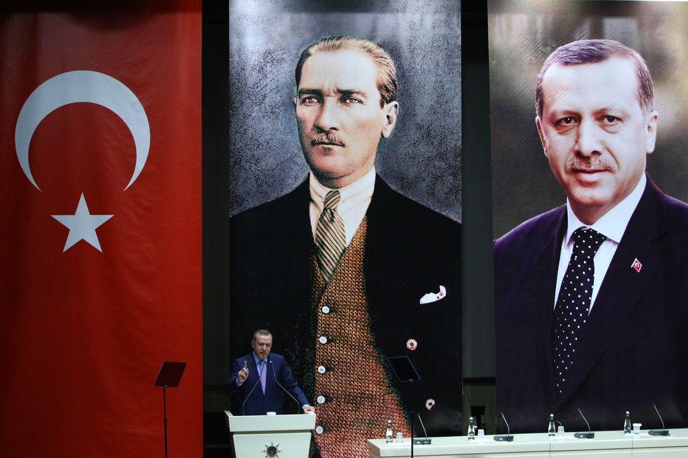 La Turchia si rimette il velo