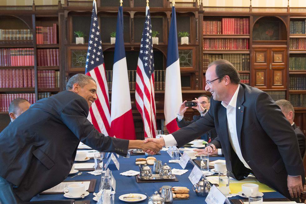 """Gli Usa: """"Non stiamo spiando Hollande, né lo faremo"""""""