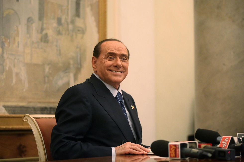 """Berlusconi: """"La mia decadenza una macchia sulla democrazia italiana"""""""
