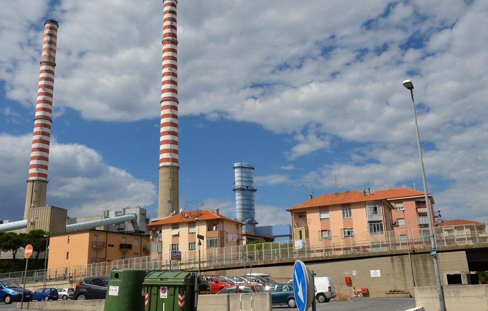 Vado Ligure, sulla centrale a carbone di De Benedetti indaga l'Antimafia