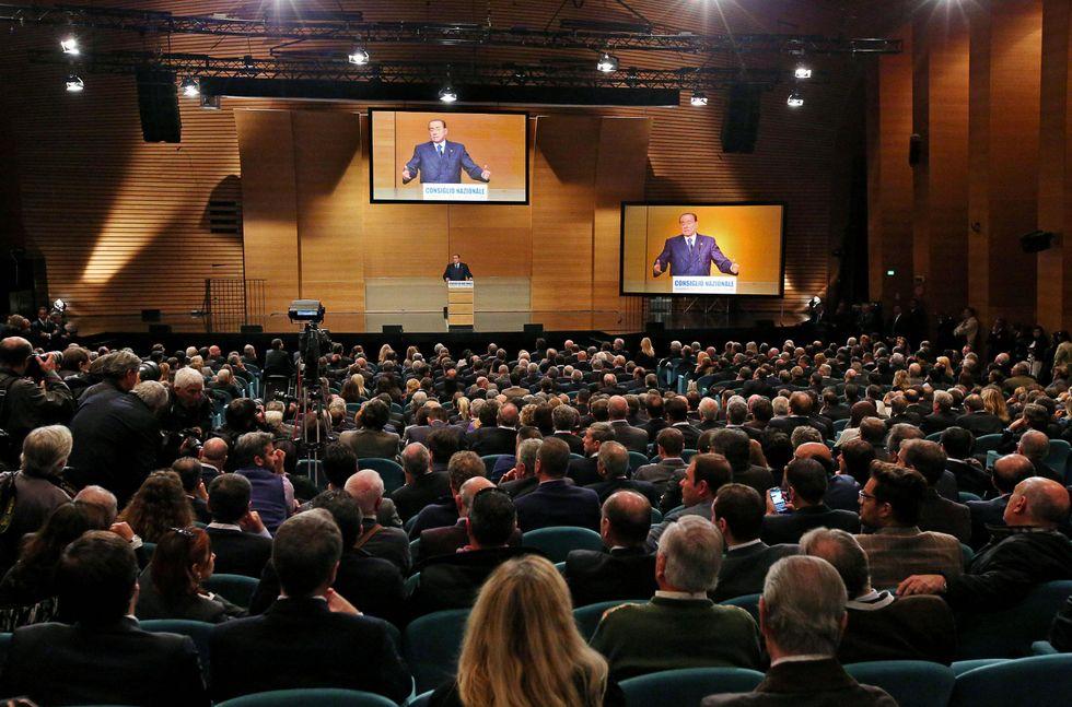 Rinasce Forza Italia senza feste e bandiere