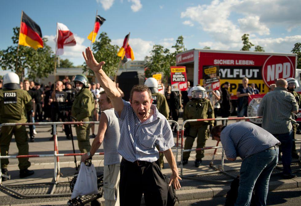 La Germania vuole mettere fuorilegge i neonazisti