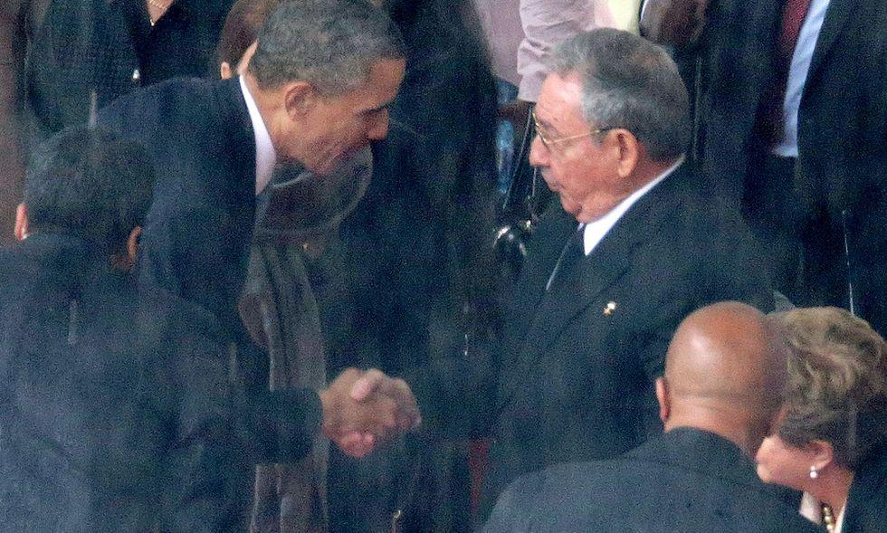 Quando Barack Obama stringe la mano al nemico
