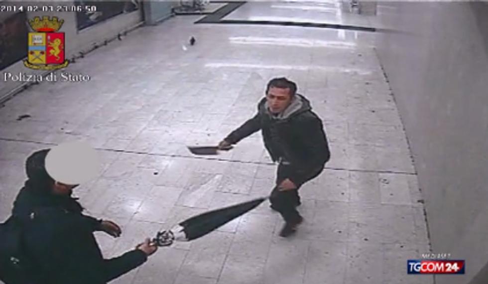 Aggressione con una mannaia a Milano