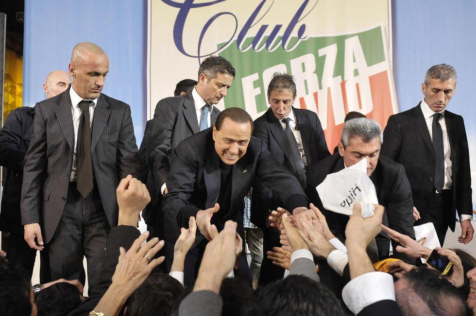"""I Club """"Forza Silvio"""" (Porta a Porta)"""