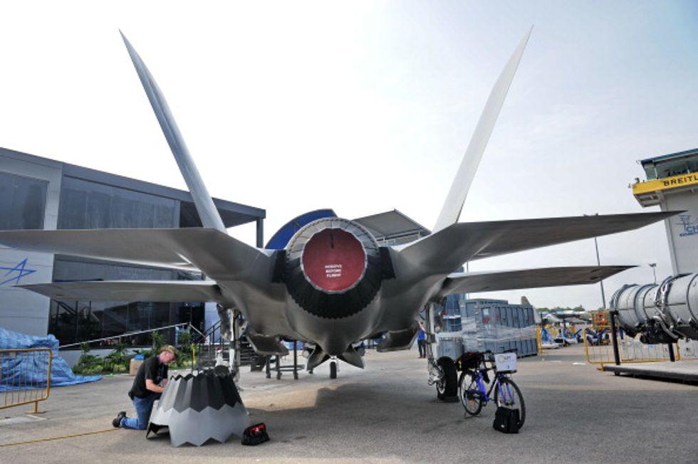 """F-35 ed il taglio al """"lavoro"""" (non alla spesa)"""