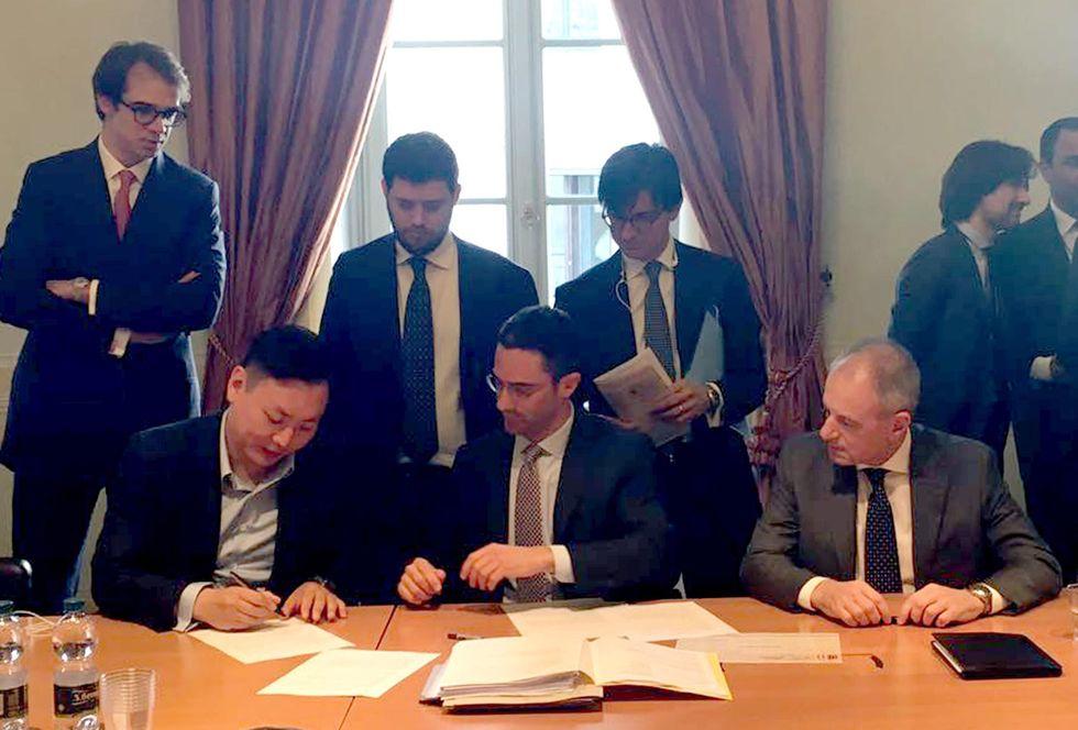 Il Milan ai cinesi: tutti i numeri del closing con Yonghong Li