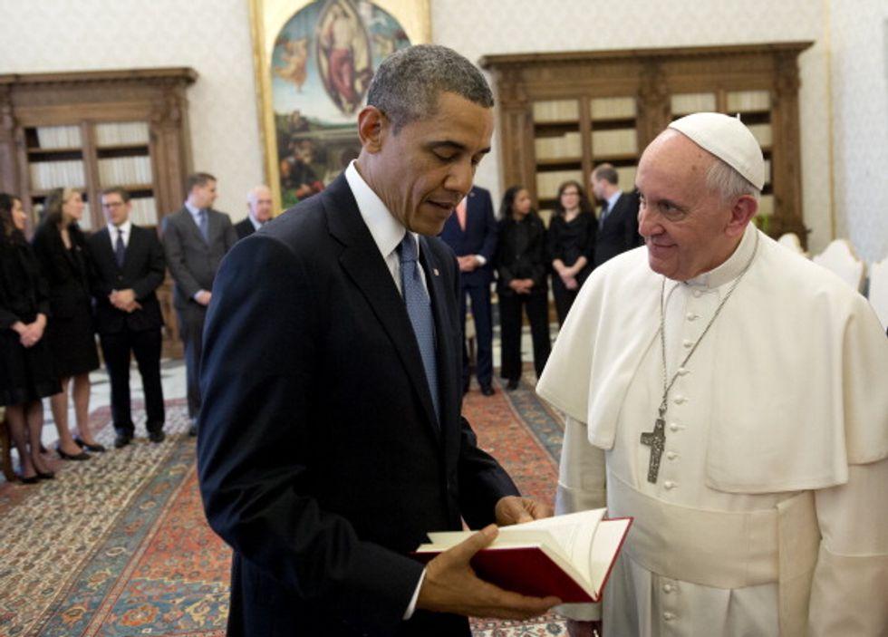 Obama in Vaticano: sorrisi e strette di mano ma Papa Francesco non fa sconti
