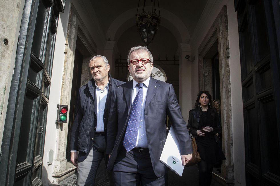 Maroni lancia il referendum: le tasse dei lombardi in Lombardia
