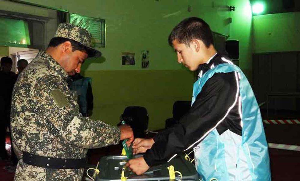 Più ombre che luci sul voto afghano