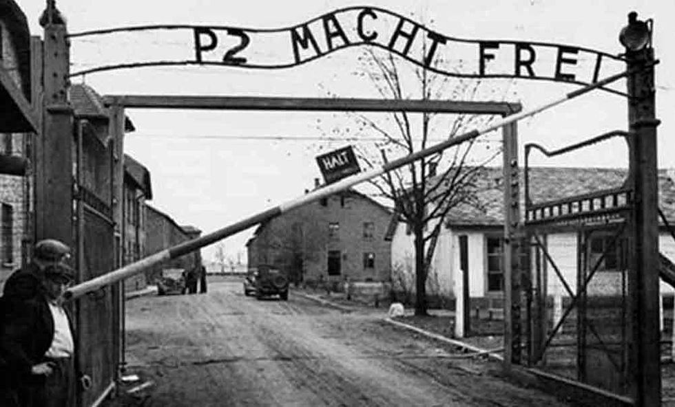Il vizietto antisemita di Beppe Grillo