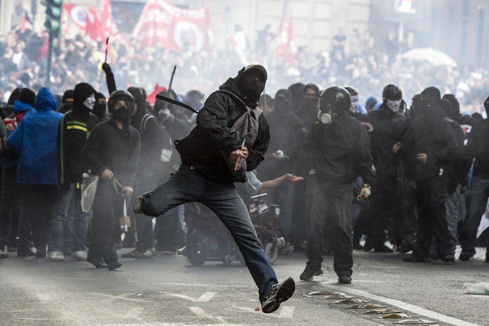 """""""Noi poliziotti, in prima fila contro i teppisti"""""""