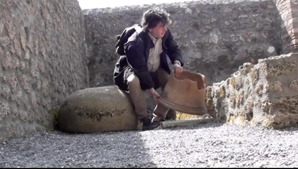 Inchiesta Panorama: prove di furto a Pompei