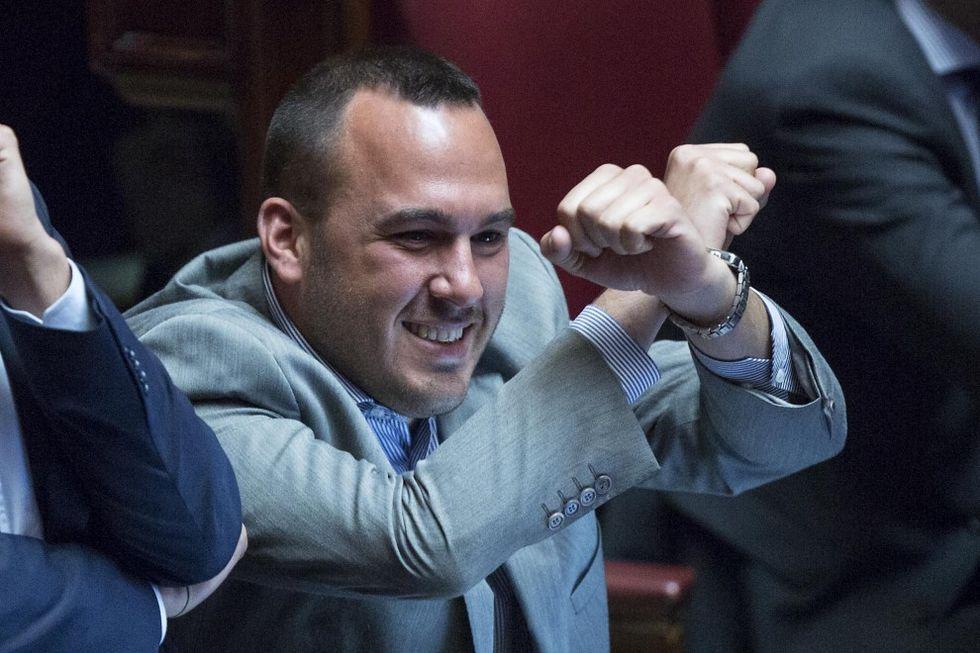 """""""Il mio gesto delle manette contro un Pd compromesso con le mafie"""""""