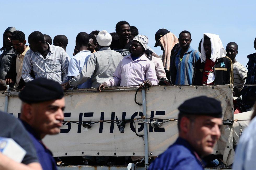 L'invasione dei migranti e le colpe (nostre e dell'Europa)