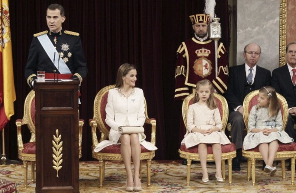 """La Spagna si inchina a Felipe VI, il re """"americano"""""""