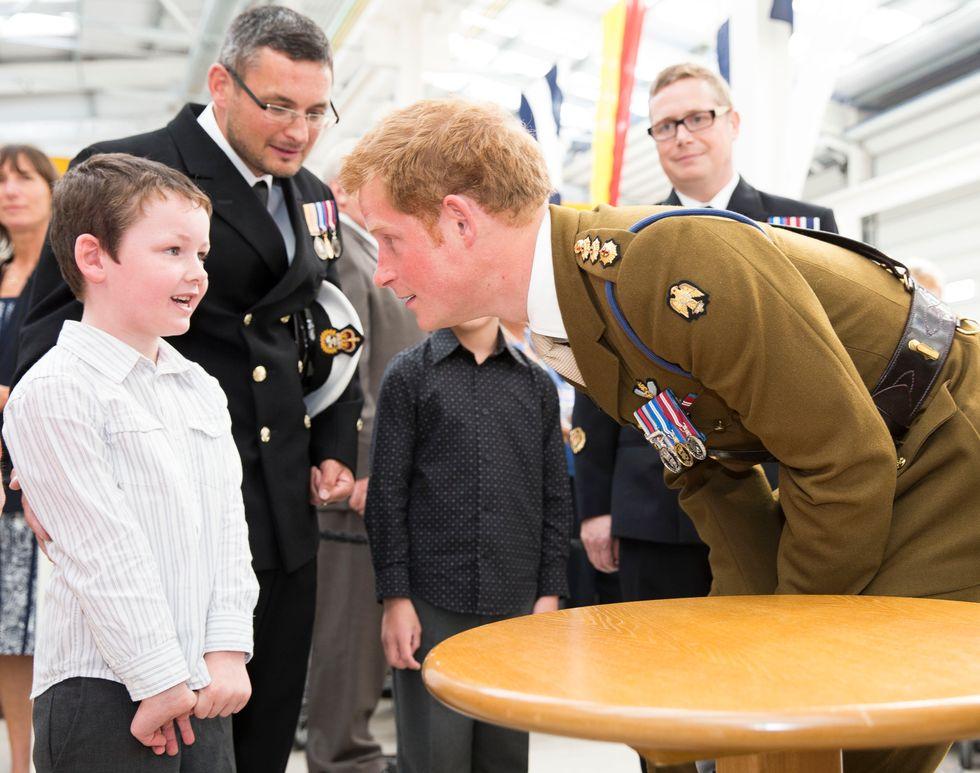 Principe Harry, al Polo Sud per beneficenza