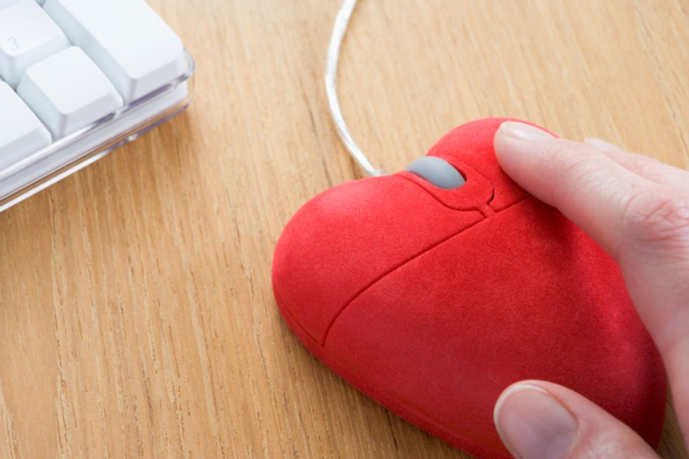 Dating online: le parole giuste per un uomo