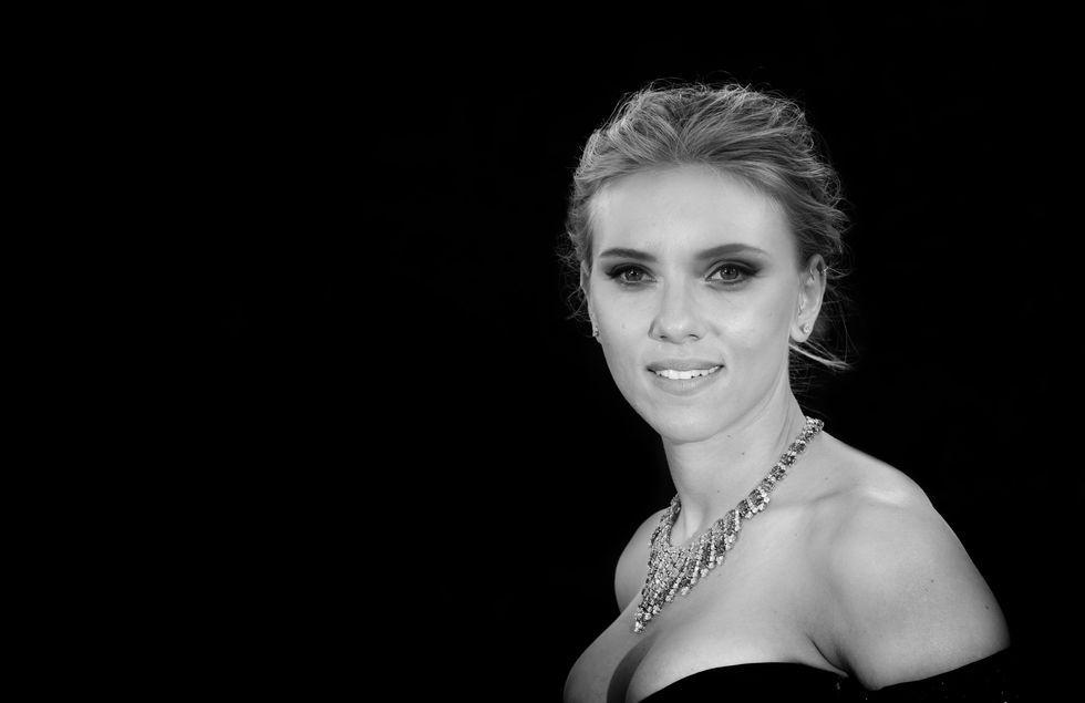 Scarlett la più sexy del mondo? Sì. No. Forse...