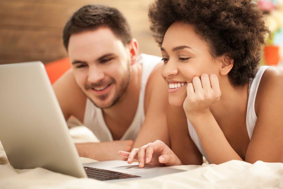 C'è razzismo nel dating online?
