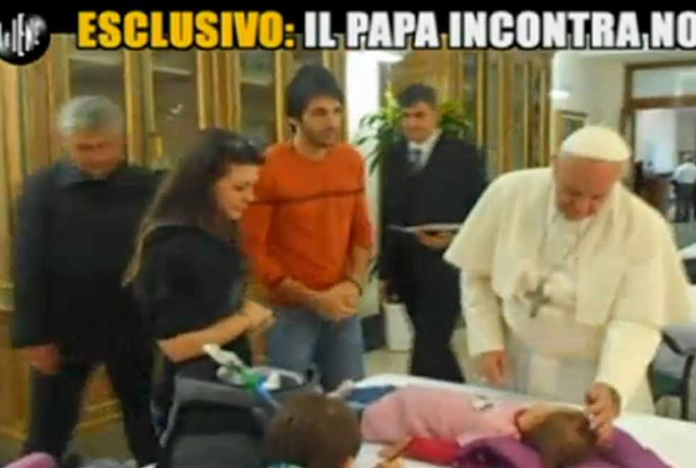 """Ascolti 12/11: Le Iene """"vanno in paradiso"""" con Papa Francesco"""
