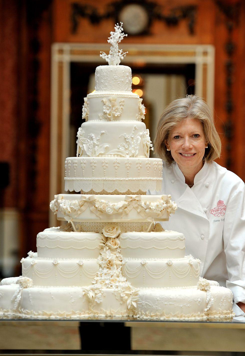 William e Kate, una fetta di torta nuziale battuta all'asta per 3.000 euro