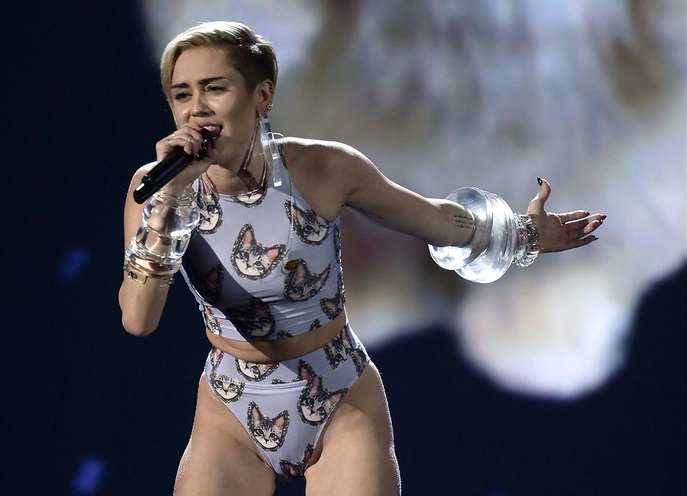 """Sarà Miley Cyrus il """"personaggio dell'anno"""" di Time?"""