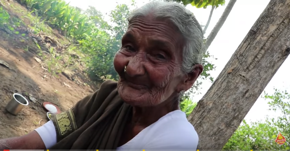 """A 106 anni """"star"""" di YouTube"""