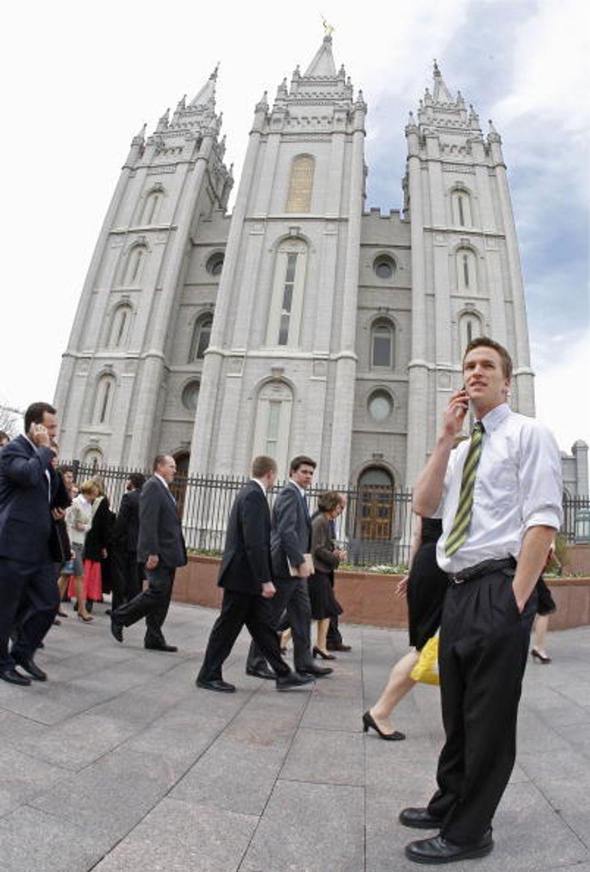 """Anche i missionari (mormoni) su Facebook. Ma in """"segreto"""""""