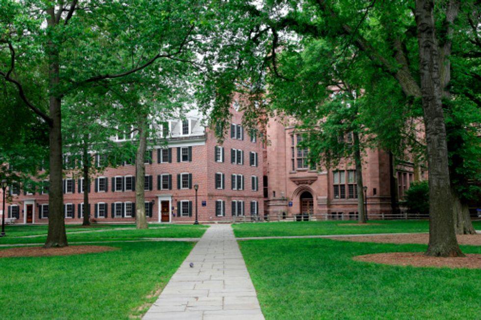 Yale University e la cover che indigna il mondo