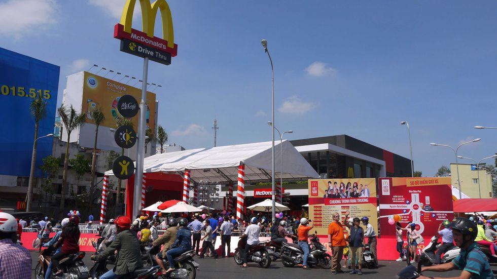 Apre il primo McDonald's in Vietnam