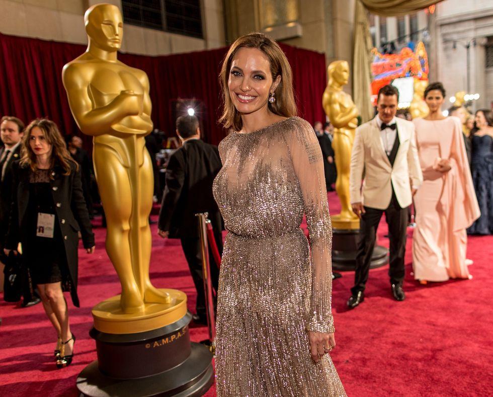Angelina Jolie: nuova operazione per sconfiggere il tumore al seno