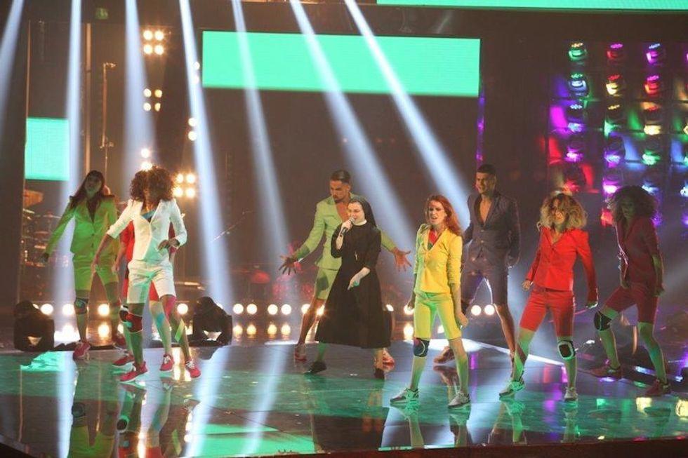 The Voice 2: Suor Cristina passa il turno, poi si esibisce con la Minogue