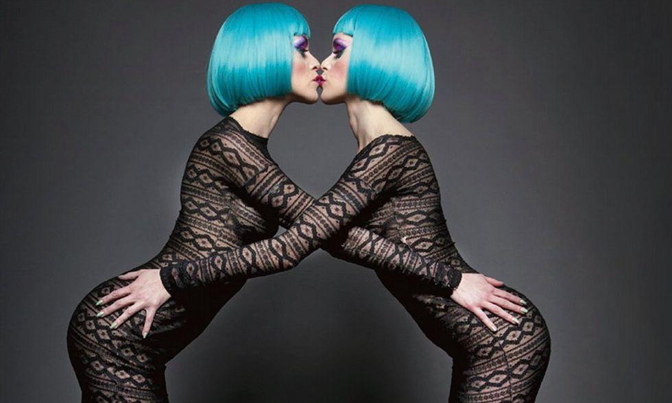 Dina e Dana gemelle fatali del burlesque