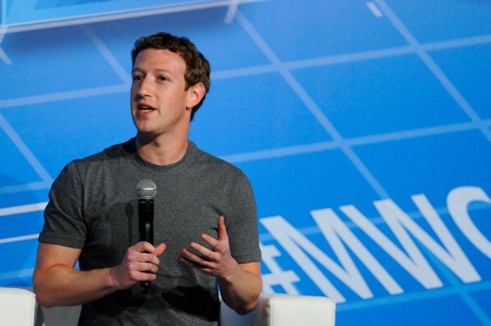 Miliardari con un dollaro: ecco cosa guadagnano davvero Mark Zuckerberg e gli altri