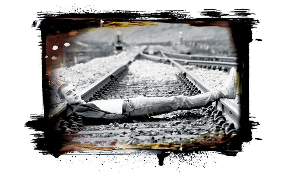 """Irvine Welsh: """"Noi che contavamo i treni"""". L'autore di Trainspotting si racconta"""