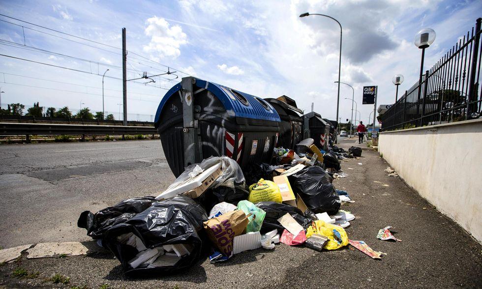 Roma rifiuti emergenza