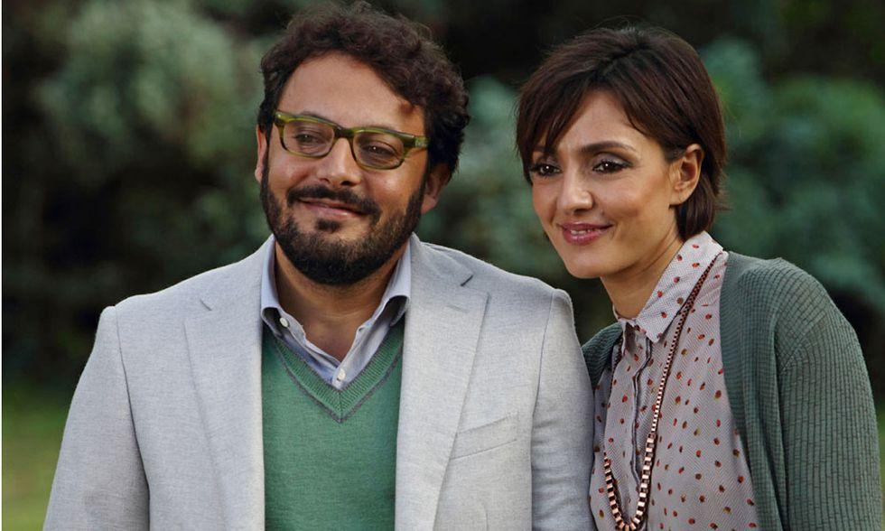Stai lontana da me, la commedia con Enrico Brignano e Ambra Angiolini - Trailer