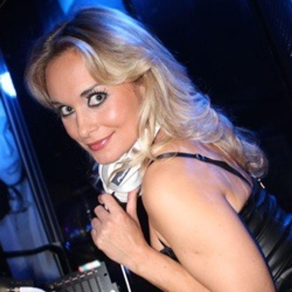 Polina: La donna da un tocco di stile e sensualità