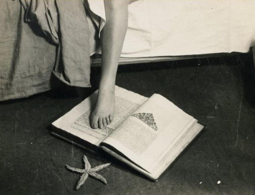 «Né concubina né moglie»: la femmina in frammenti e la supremazia del piede