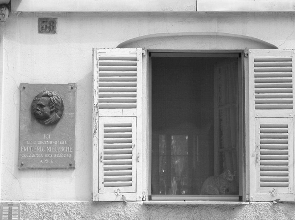 «Una camera a ovest per un signore solo»: il voyeurismo filologico sull'epistolario di Nietzsche