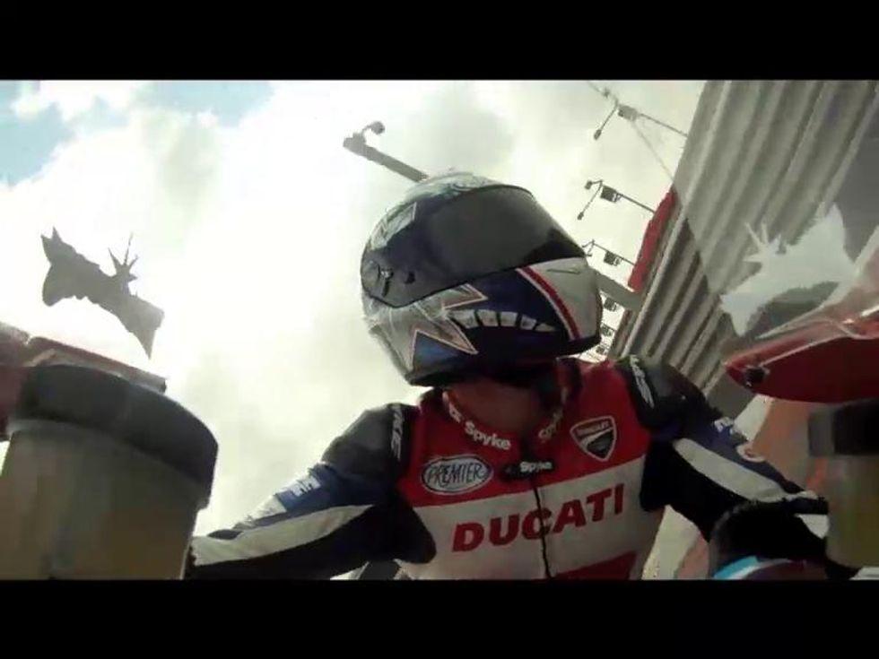 Che cosa si prova a guidare una Ducati Panigale in pista?