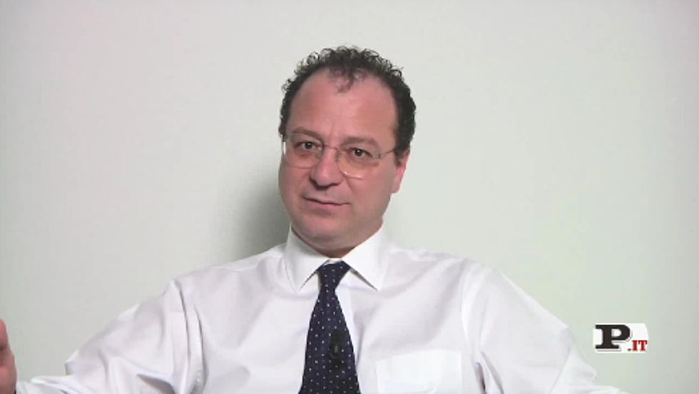 Il direttore Giorgio Mulè presenta il nuovo numero di Panorama, in edicola dal 15 novembre