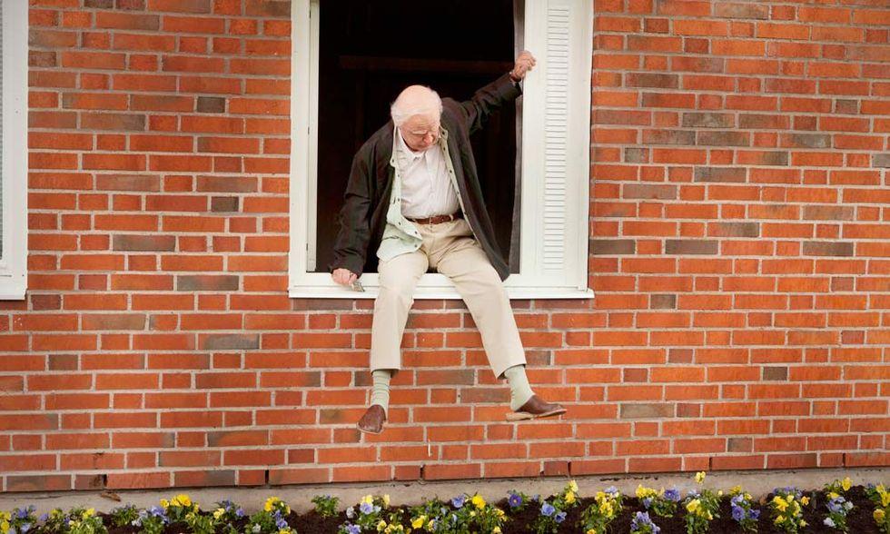Il centenario che saltò dalla finestra e scomparve, dal libro al film - Video in anteprima