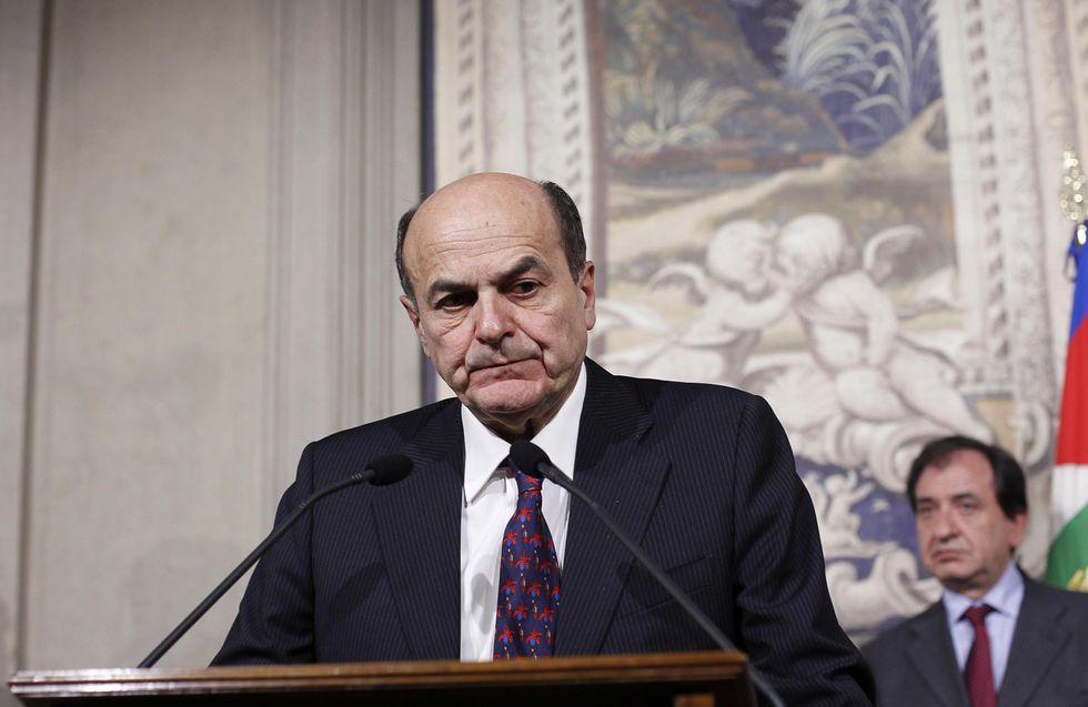 Bersani molla e su Fb va in scena il social-dramma Pd
