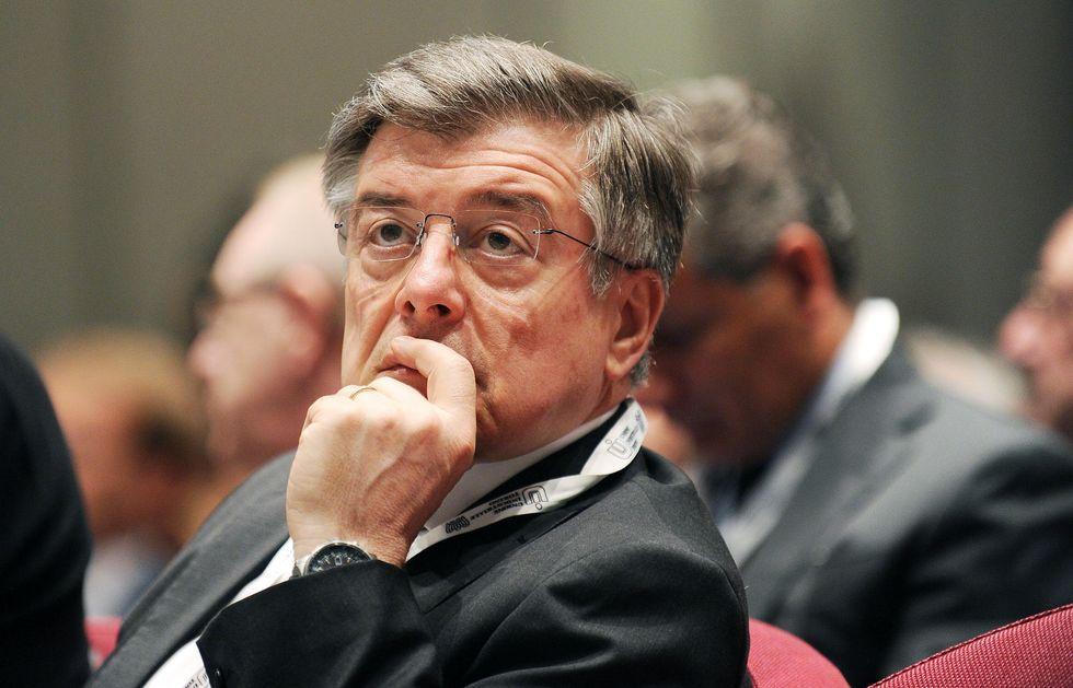 Zanonato, il ministro Zelig che fa opposizione a se stesso
