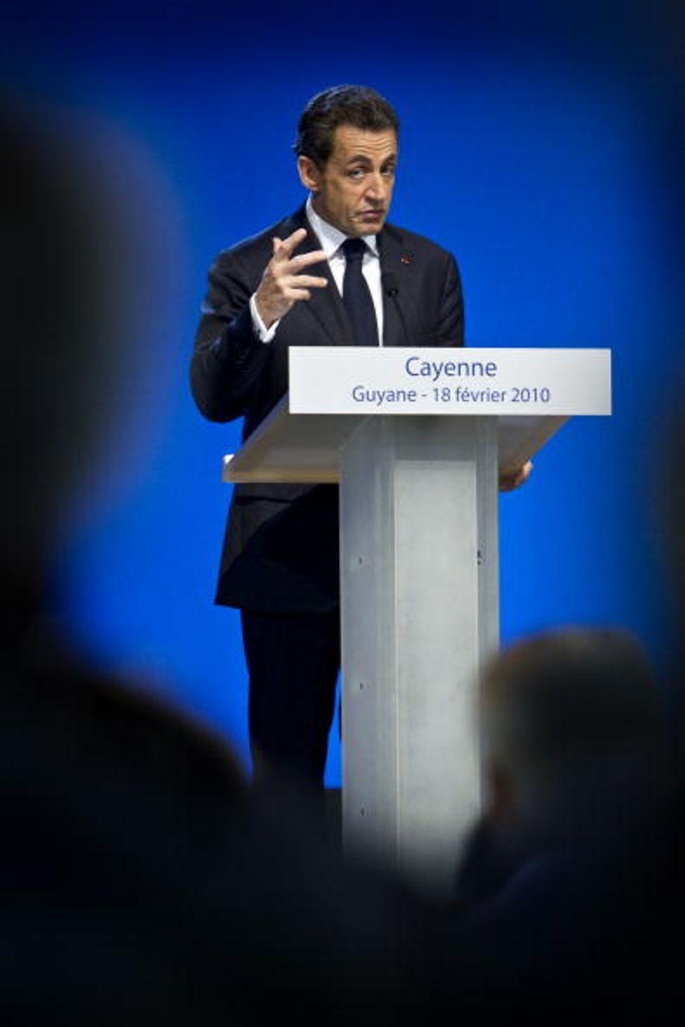 Sarkozy è tornato. Ma ora lotta contro Marine Le Pen